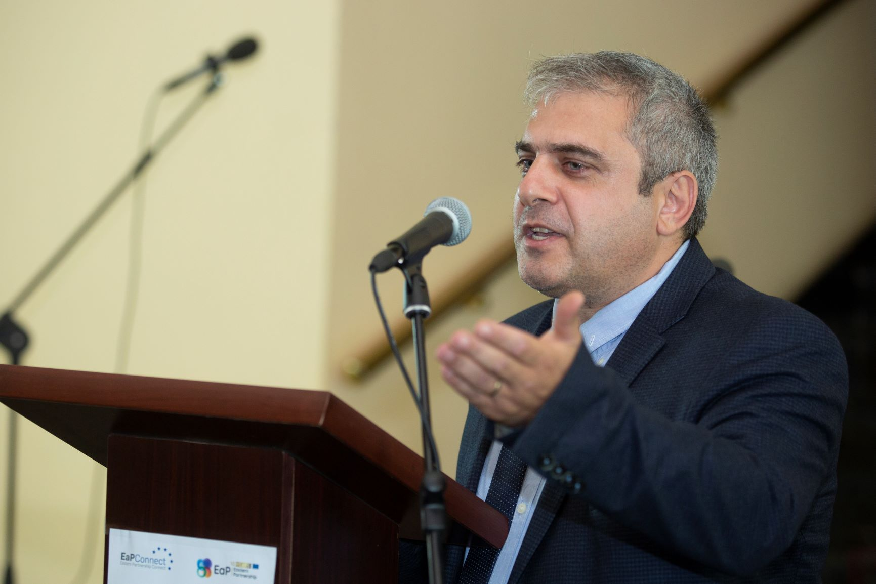 Грачя Асцатрян, директор та голова Наукового комп'ютерного центру Інституту проблем інформатики та автоматизації Національної Академії наук Вірменії