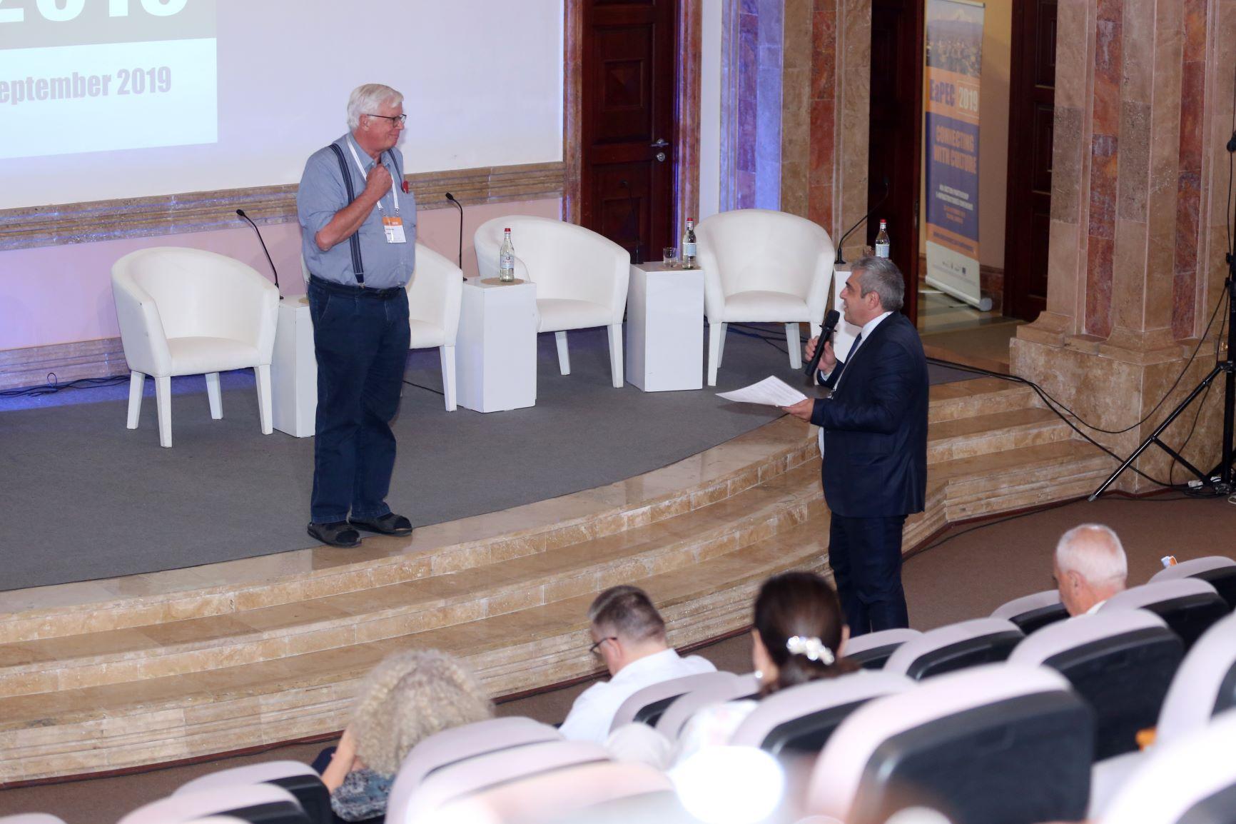 Стівен Кроуер з CLARIN відразу ж після презентації отримує пропозицію до співпраці від ASNET-AM