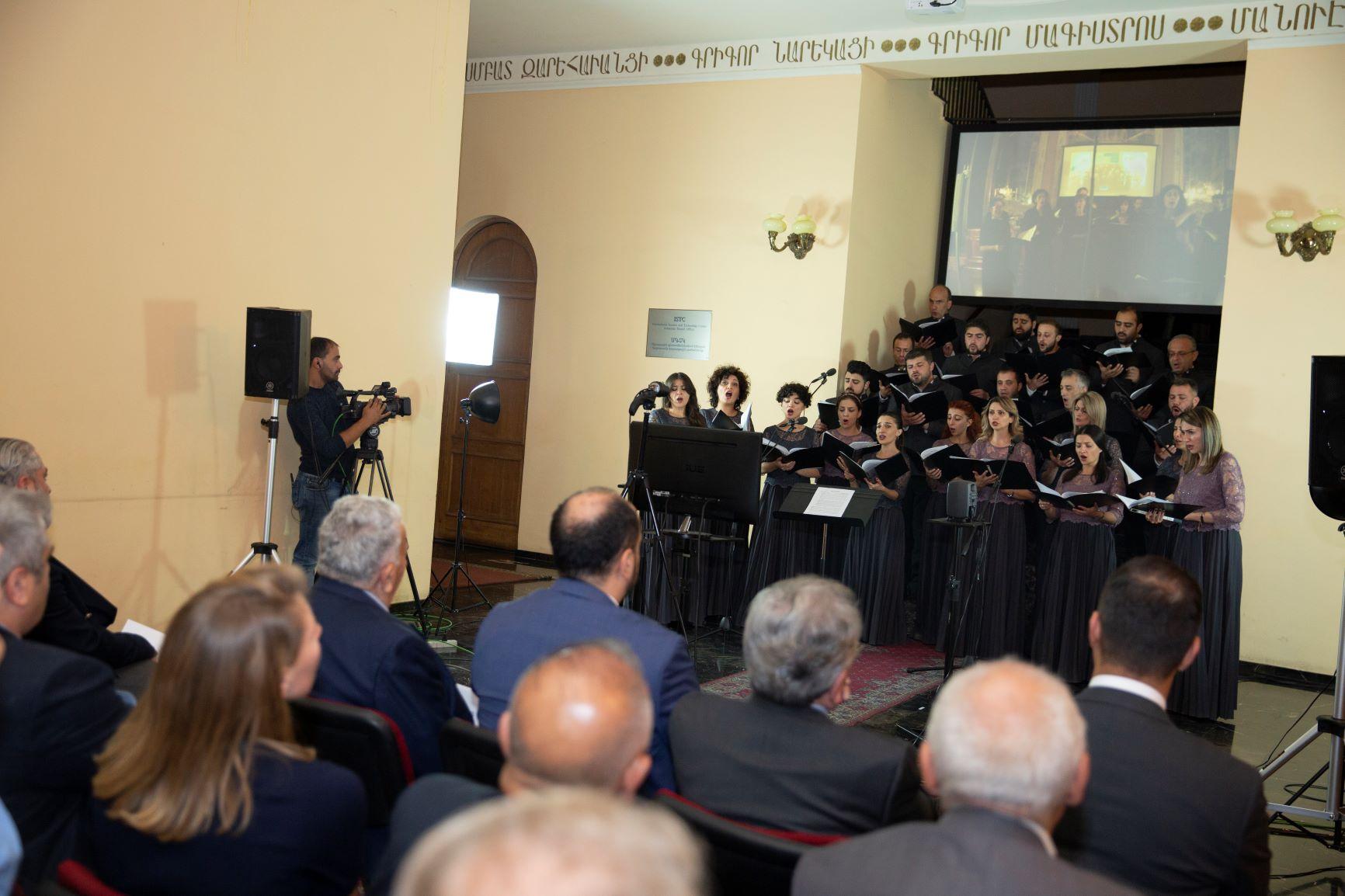 Здавалось, що єреванський та венеціанський хори стояли пліч-о-пліч